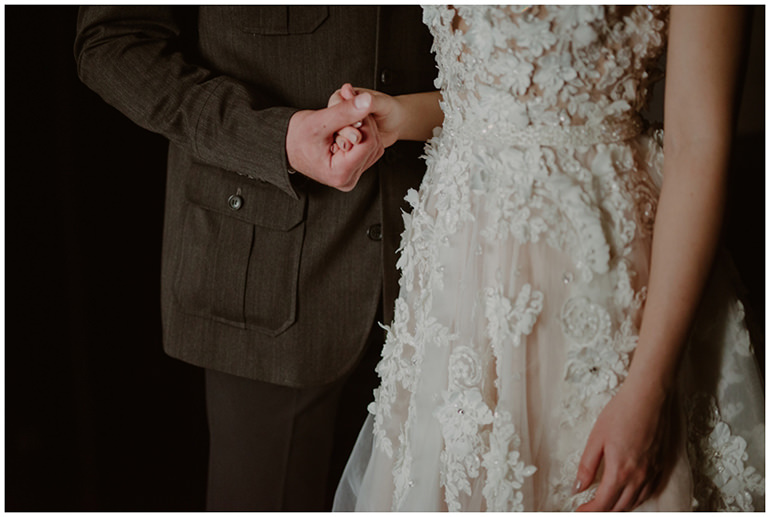 holding-hands-wedding