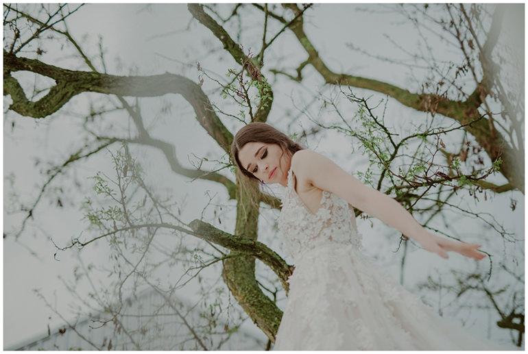 bride-tree-dancing