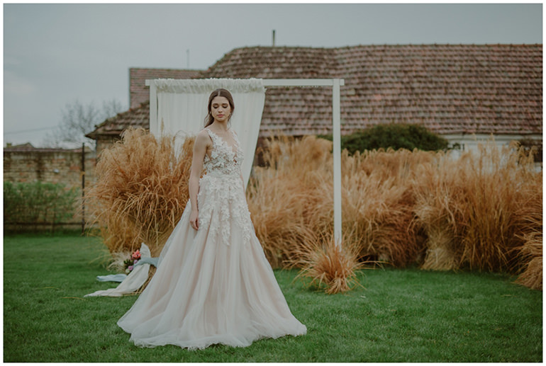 wedding-decor-grass