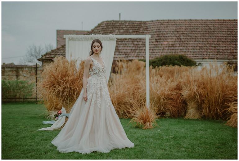 wedding-decor-grass